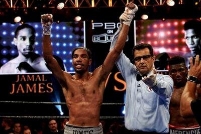 James vs. Abreu / zdroj foto: Fightnews.com