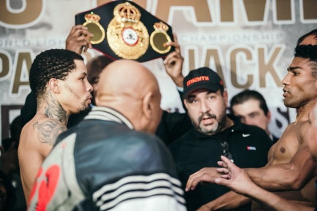 Davis vs. Gamboa na vážení / zdroj foto: Boxingscene.com