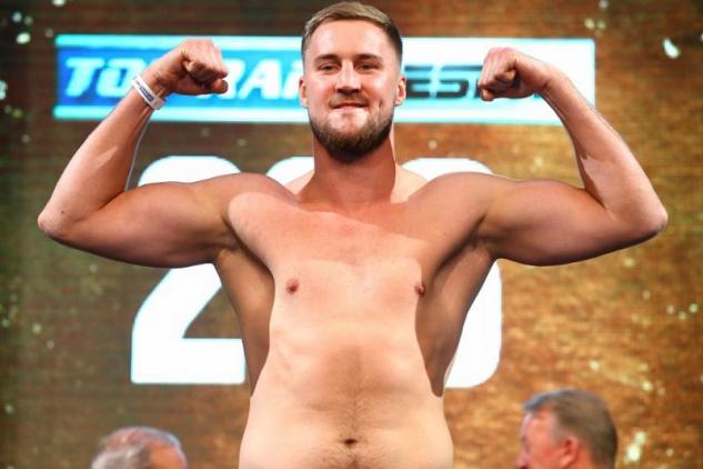 Otto Wallin na vážení / zdroj foto: Boxingscene.com