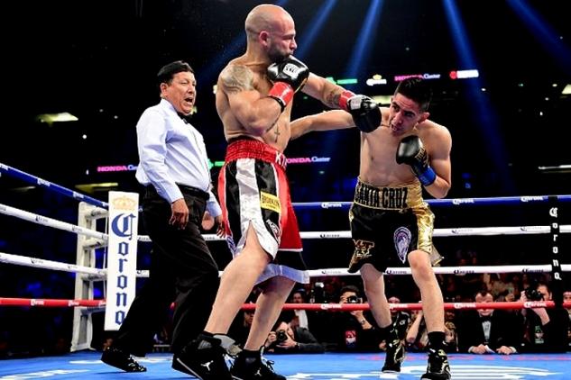Santa Cruz vs. Martinez / zdroj foto: Boxingscene.com