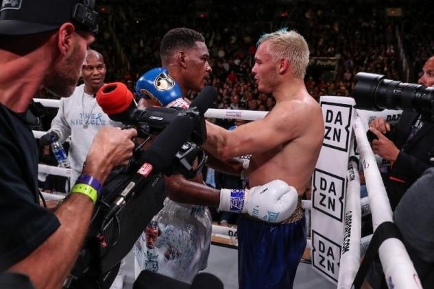 Jacobs vs Chavez Jr. / zdroj foto: Boxingscene.com