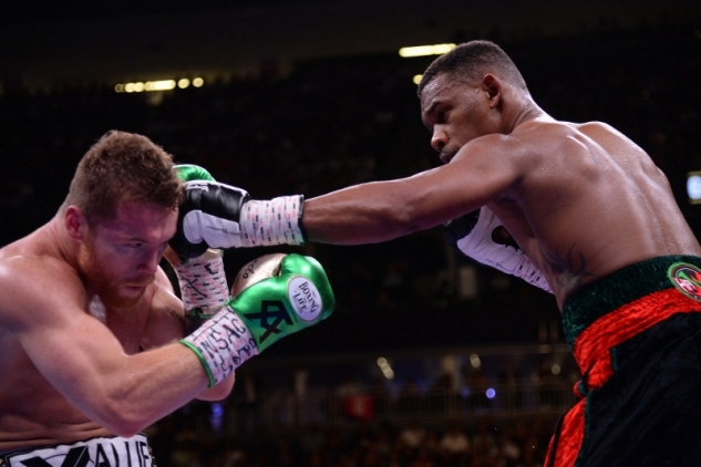 Canelo vs. Jacobs / zdroj foto: Boxingscene.com