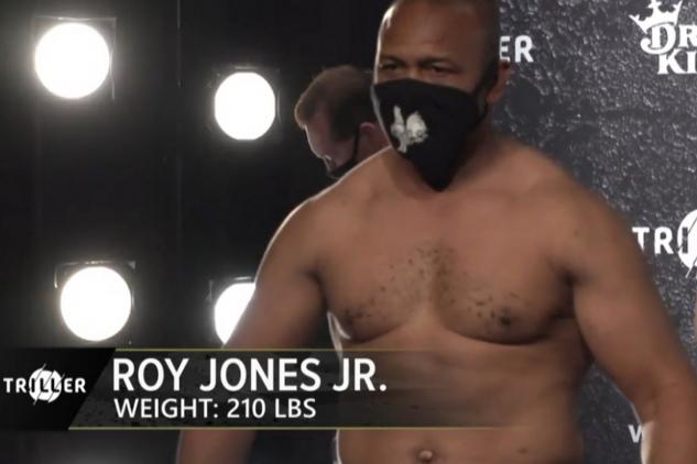 Jones Jr. na váze