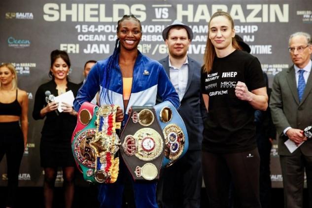 Claressa Shieldsová a Ivana Habazinová / zdroj foto: Boxingscene.com